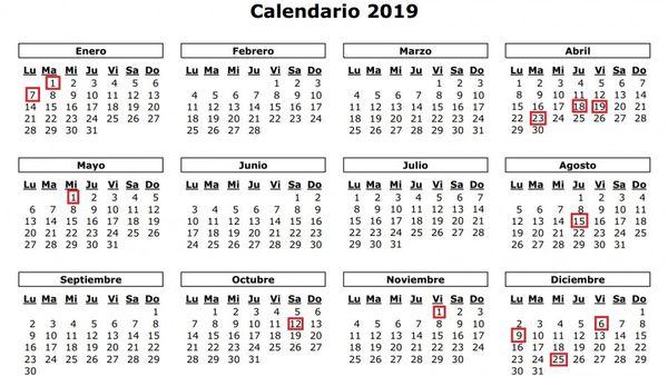 Calendario Diciembre 2018 Con Festivos.Dos Puentes Y Ocho Festivos Nacionales En 2019 Www
