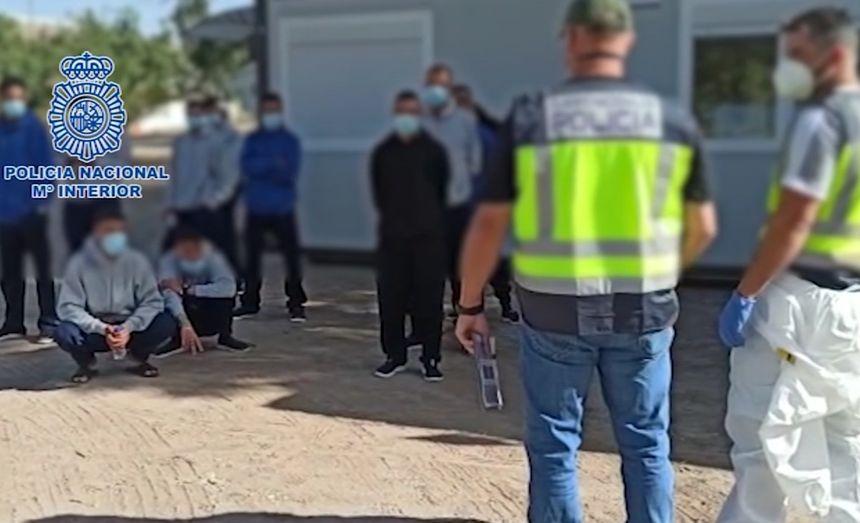La Policía Nacional detiene a los patrones de dos embarcaciones que arribaron recientemente a las costas de Gran Canaria y Lanzarote